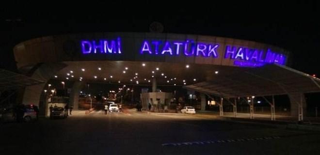 Atatürk Havalimanı girişinde şüpheli minibüs paniği!