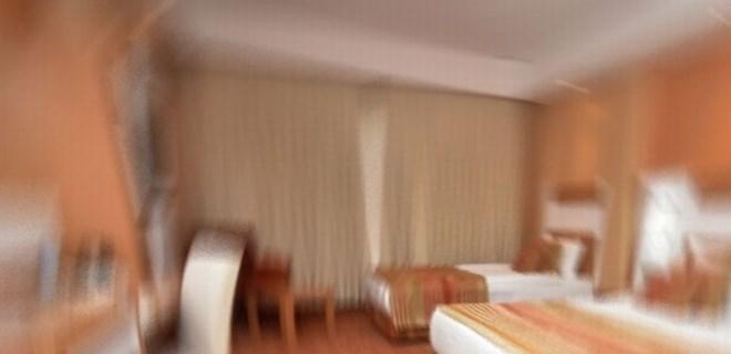 Engelli çocuk otel odasında ölü bulundu