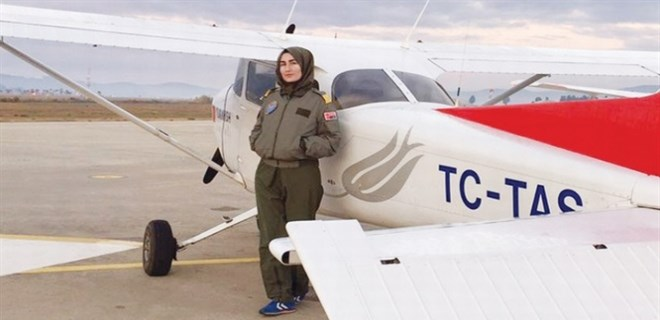 Başörtülü Merve Gürbüz jet pilotu oluyor