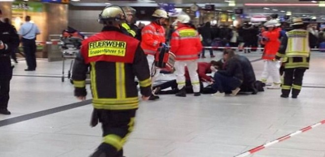 Almanya'da büyük şok: Baltalı saldırı