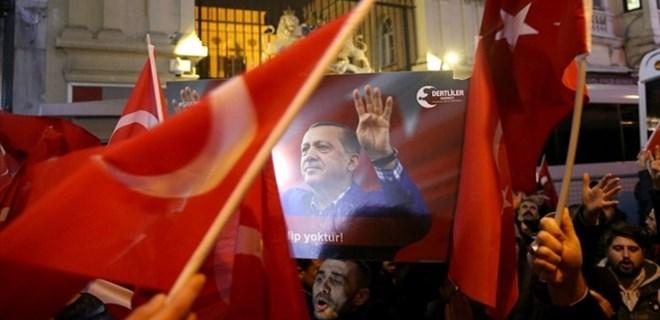 Türkiye genelinde Hollanda protestosu