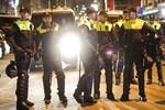 Hollanda polisinden müdahale!