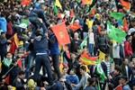 Diyarbakır'da Nevruz alanına bıçakla girmek isteyen kişi vuruldu!