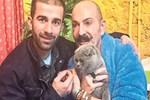 Cemil İpekçi kayıp kedisine kavuştu