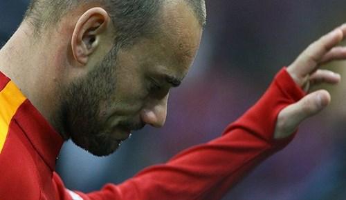 Wesley Sneijder'den ayrılık sinyali!