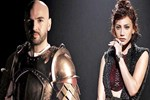 Soner, 'Game Of Thrones'tan giyindi
