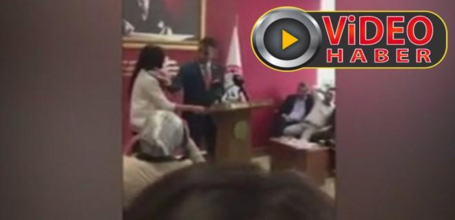 Mersin Baro Başkanı kadın avukatı kürsüden itti!