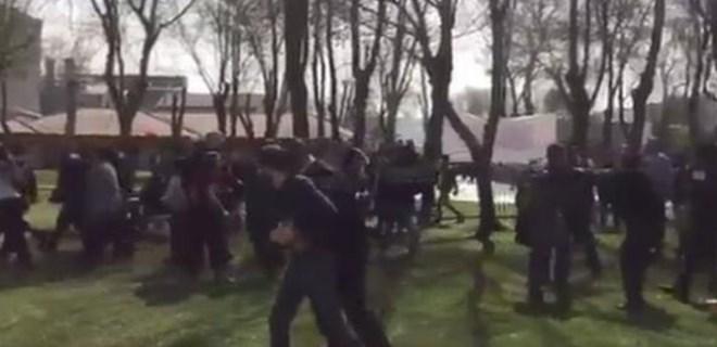 Üniversitedeki 8 Mart etkinliğinde bıçaklı saldırı!