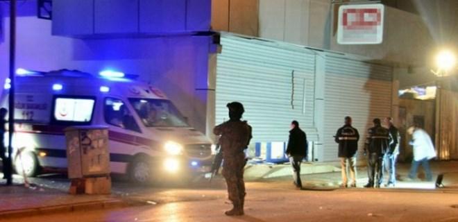 Adana'da markete bombalı saldırı düzenlendi!