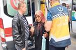 Kocası otobüsün altında kalan kadın şok etti!