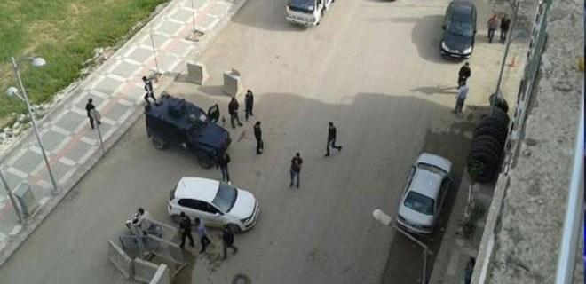Suruç'ta emniyet müdürlüğüne bombalı saldırı girişimi