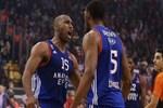Anadolu Efes, Final-Four yolunda avantajı kaptı!