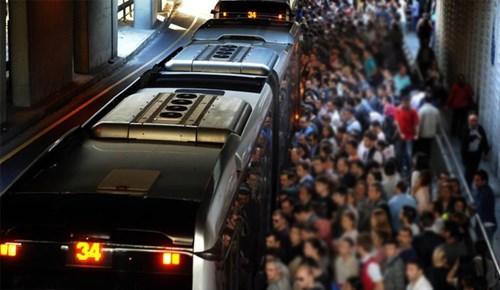 Metrobüsteki iğrenç sapıklık cezasız kalmadı!