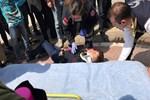 Kopan balkon parçası çocuğu yaraladı!
