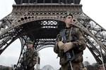 Paris'te terör alarmı!..