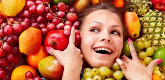 Meyvelerle gençleşin!