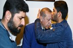 Cumhurbaşkanı Erdoğan'ı alnından öptü!