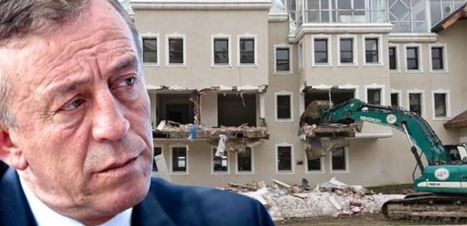 Ali Ağaoğlu'nun otelinin kaçak bölümleri yıkılıyor!
