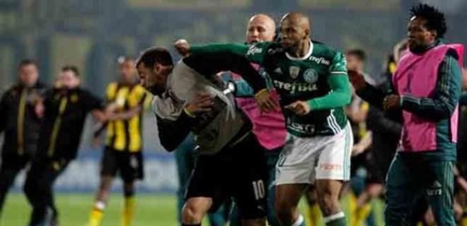 Felipe Melo'ya rekor ceza!