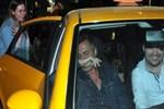 Teoman objektiflere poz veren taksiciyi haşladı!