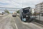 AK Partilileri kongreye taşıyan otobüs kaza yaptı!