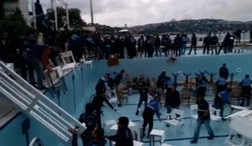 Galatasaray Adası tamamen yıkıldı!