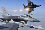 Rusya'nın hava sahasına Türk askeri uçağı