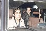 Zeynep Çamcı'nın gözleri endişeyle baktı!
