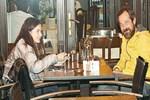 Feridun Düzağaç kızıyla yemekte