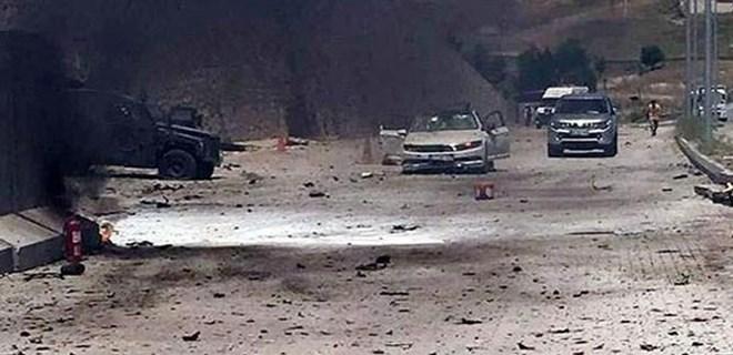 Saldırıda kullanılan aracın şoförü elleri bağlı bulundu