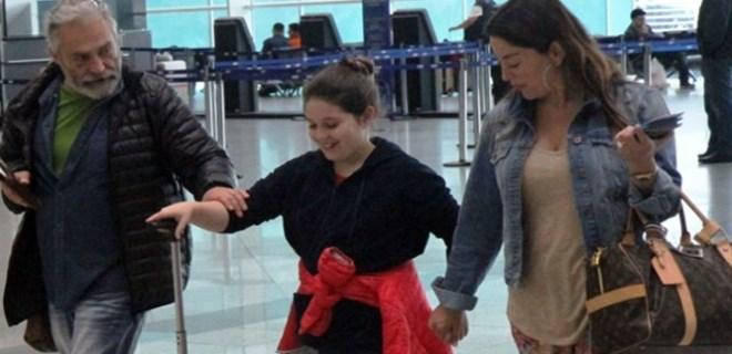 Haluk Bilginer ve Aşkın Nur Yengi kızlarıyla Miami'ye uçtu