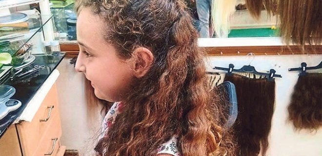 10 yaşındaki Melek, saçlarını bağışladı!
