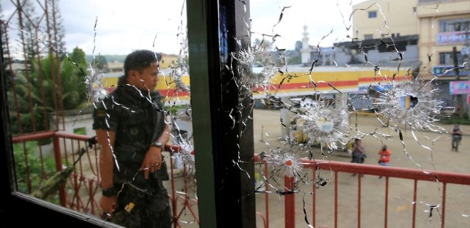 Filipinler'de bir katliam yaşanıyor!