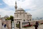 Mimar Sinan'ın eseri olan 437 yıllık cami çatladı!
