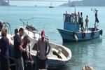 Sarıyer'de balıkçı teknesi kayalıklara çarptı!