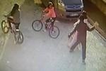 9 yaşındaki kızın başına vurup kaçtı!