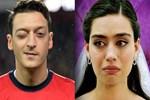 Mesut Özil, Amine Gülşe'nin yüzünü güldürdü