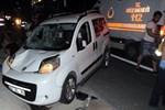Bursa'da bir kamyonet otobüse çarptı