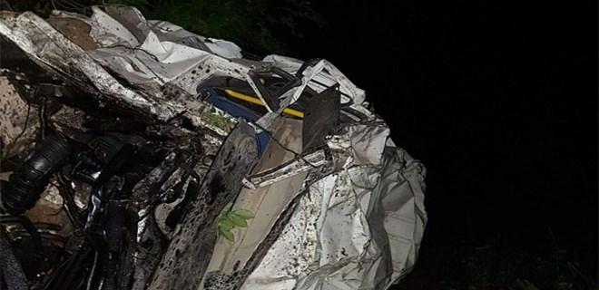 Artvin'de minibüs uçuruma yuvarlandı: 4 ölü, 9 yaralı