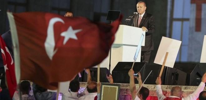 Cumhurbaşkanı Erdoğan'ın konuşması sırasında Drone düştü
