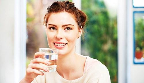 Yaşam kaynağı suyu bol bol için