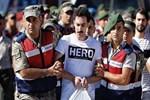 'Hero' tişörtü böyle gelmiş