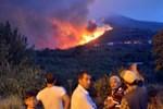 İzmir'de çıkan yangın Manisa'ya ulaştı!