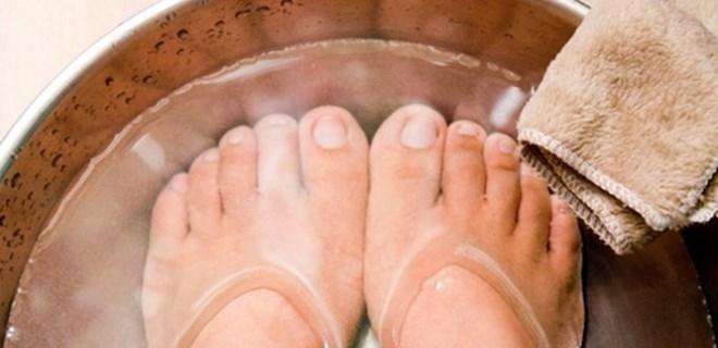 Çatlayan ayaklara evde çözüm