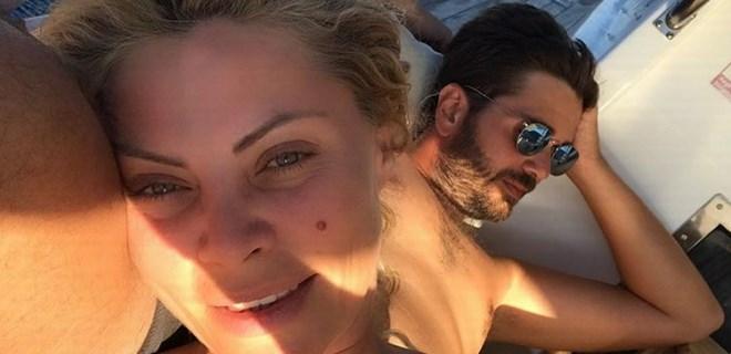 Seray Sever'den romantik selfie