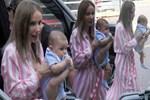 Gülşen'in bebeğini tutuş şekli şaşırttı!