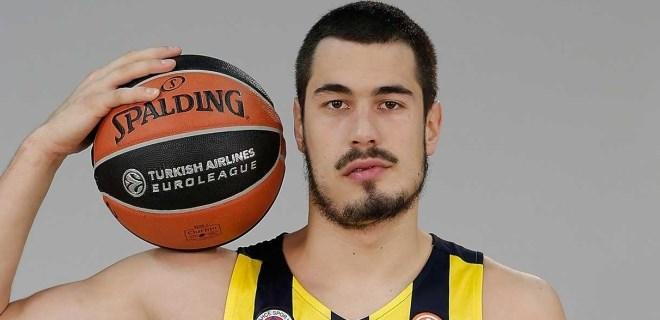 Nikola Kalinic 3 yıl daha Fenerbahçe'de