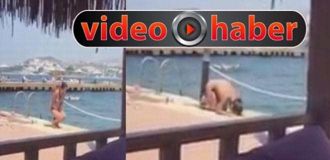 Bikini ile namaz kılan kadın sosyal medyayı karıştırdı