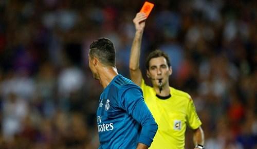 Cristiano Ronaldo'yu çıldırtan kırmızı kart
