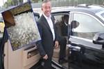 Ali Ağaoğlu'nun lüks otomobilleri delik deşik!